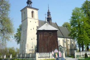 Kosciół parafialny w Czarnocinie